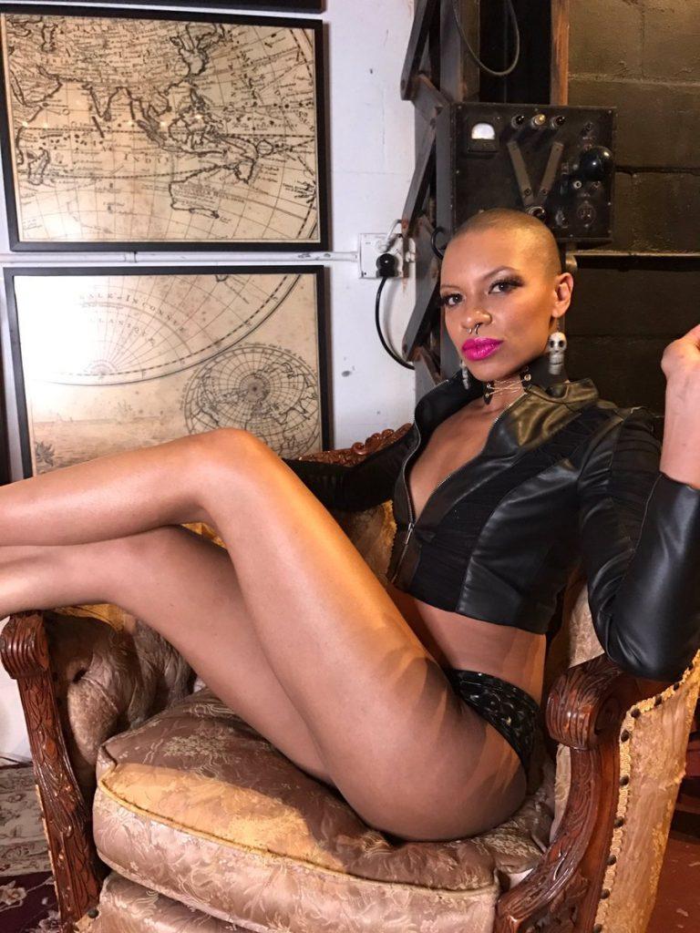 Rihanna naked pics uncensored